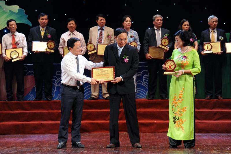 Công ty Cổ phần Dược phẩm Khánh Hòa là doanh nghiệp mạnh và phát triển bền vững